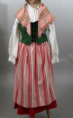 Images for 356844. FOLKDRÄKT, Bjäredräkt, bestående av blus, kjol, väst, klut och 2 förkläden, 1994. – Auctionet