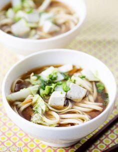 Miso-nuudelikeitto | Kotivinkki Text: Kaisa Torkkeli Pic: Riikka Kantinkoski #soup #misosoup #tofu #noodle