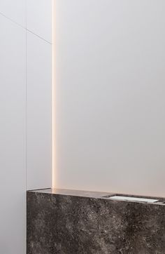 Indirect lighting inside the DM Residence by Cubyc architecture _
