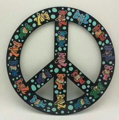 Grateful Dead bears peace