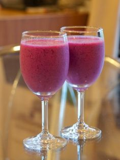 A delectably delicious plum smoothie is just perfect for a sunny day by the pool in a lawn chair – not much can beat it!