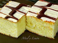 Miel y Limón : BIZCOCHO con Cobertura de Chocolate Blanco