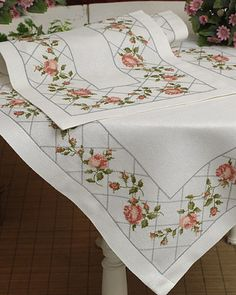 Vintage Embroidered Tablecloth and 11 Napkins Cross Stitch Pillow, Just Cross Stitch, Cross Stitch Heart, Cross Stitch Flowers, Cross Stitching, Cross Stitch Embroidery, Cross Stitch Designs, Cross Stitch Patterns, Bed Cover Design