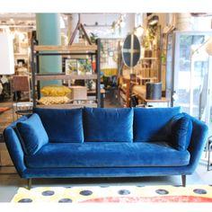 Blauwe velvet bank - blauw fluwelen bank Lola.