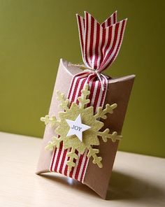 Pillow box with pretty ribbon and glitter snowflake. Make your own!  #that'sawrap