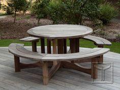 Ronde picknicktafel in padoek 100% FSC® op padoek terras.