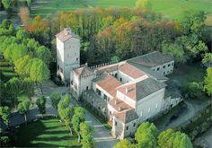 Средневековая итальянская крепость (13 фото)