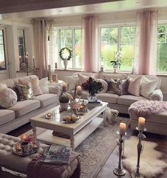 45 Classic And Comfortable Living Room Decoration Ideas - Page 17 of 45 - Chic Hostess Fancy Living Rooms, Luxury Living Room, Room Design, Living Room Decor Apartment, Comfortable Living Rooms, Trendy Living Rooms, Fancy Living Room Furniture, House Interior, Home And Living