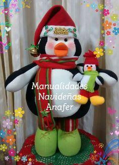 Hermosa pareja de pingüinos que llegan para alegrar esta Navidad. Elaborados en tela polar, rellenos de napa siliconada y cosidos a mano. M... Xmas, Christmas Ornaments, Elf On The Shelf, Diy Crafts, Holiday Decor, Inspiration, Relleno, Penguin, Home Decor