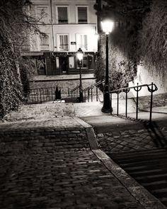 VENTE, étapes de Montmartre, Paris photographie, French Art Prints, Paris la nuit, Chez Marie noir et blanc
