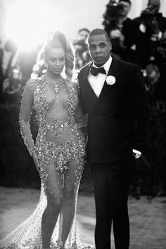 """Beyonce Knowles Photos Photos - Image has been converted to black and white.) Beyonce (L) and JAY Z attend the """"China: Through The Looking Glass"""" Costume Institute Benefit Gala at the Metropolitan Museum of Art on May 4, 2015 in New York City. - 'China: Through The Looking Glass' Costume Institute Benefit Gala - Alternative Views"""