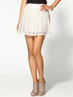 lace circle skirt (needs to be a bit longer, but it's cute) I Love Fashion, Passion For Fashion, Spring Fashion, Pretty Outfits, Cute Outfits, Pretty Clothes, Summer Outfits, White Lace Skirt, Gap