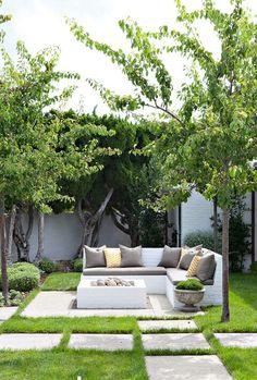 Molly Wood Garden Design, Costa Mesa, CA. Trina… (Georgiana Design) Molly Wood Garden Design, Costa Mesa, CA. Small Gardens, Outdoor Gardens, Dream Garden, Home And Garden, Home Garden Design, Outdoor Fire, Outdoor Sofa, Outdoor Seating, Outdoor Living