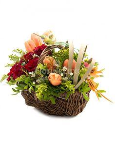 cosulet cu flori proaspete si delicate de lalele, solidago, wax flowers si trandafiri pasionali! cadoul perfect pentru orice ocazie!