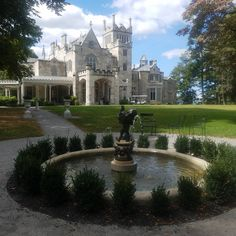 It's a beautiful day at Lyndhurst! Take advantage of this ABSOLUTELY GORGEOUS weather and stop by for a mansion tour and our… Lyndhurst Castle, Lyndhurst Mansion, Beautiful Castles, Beautiful Day, Mansion Tour, Famous Architecture, Mansions Homes, Absolutely Gorgeous, Exterior