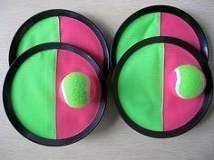 Dieses Klettball-Spiel | 28 Spielzeuge, die alle Kinder der 80ern kennen