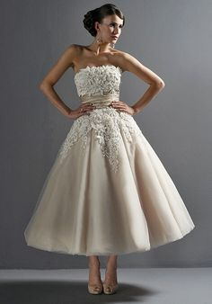 i Love!! Tea length Short lace wedding dress bridal  by Lemonweddingdress, $249.00