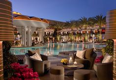 Just looking at this makes me wish it were summer. Encore pool + adult beverages = aaahhh