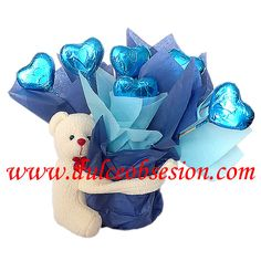 Arreglo con corazones de chocolate Chocolates, Hanukkah, San, Wreaths, Chocolate Hearts, February, Souvenirs, Presents, Events