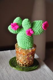 Crochet Cactus Pincushion Free Pattern : 1000+ images about Crocheted Pin Cushions on Pinterest ...