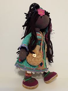 Berta A.Vergara Santos/katxirula.blogspot.com Knitted Dolls, Crochet Dolls, Ivette Hernandez, Knit Or Crochet, Crochet Hats, Amigurumi Doll, Doll Toys, Art Dolls, Crochet Patterns