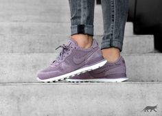 627a32b80921d9 Nike Wmns Internationalist PRM (Taupe Grey   Taupe Grey - Sail)