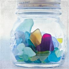 Love sea glass! Reminds me of family vacations. I'd die if I found a purple piece!