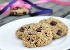 Flourless Chocolate Chip Cookies, made with oats!