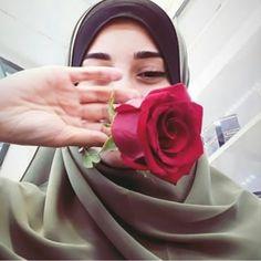 Hijab Dp, Hijab Niqab, Mode Hijab, Islam Women, Muslim Girls, Beautiful Hijab, Girls Dpz, Photography Poses, Beauty