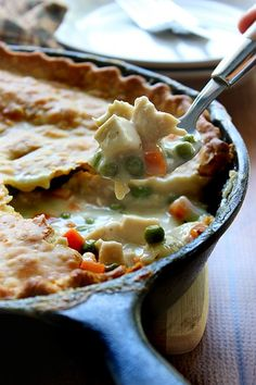This recipe for cast iron skillet chicken pot pie uses one pre-made pie crust as a healthier way to enjoy this classic comfort food. Cast Iron Skillet Cooking, Iron Skillet Recipes, Cast Iron Recipes, Skillet Dinners, Skillet Food, Grill Skillet, Dutch Oven Cooking, Dutch Oven Recipes, Cooking Recipes
