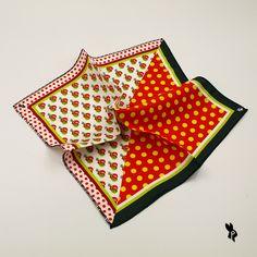 3c9e908d5 Pañuelo de Bolsillo con estampado de Castañuelas y Lunares. Color blanco,  negro, té