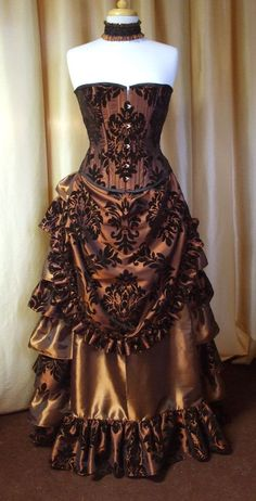 Demask pattern corset Victorian style Steampunk dress (just the pic). Absolutely… Demask pattern corset Victorian style Steampunk dress (just the pic). Steampunk Couture, Steampunk Dress, Steampunk Wedding, Steampunk Clothing, Steampunk Fashion, Gothic Fashion, Victorian Fashion, Vintage Fashion, Gothic Clothing