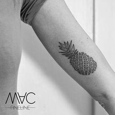 Pineapple tattoo - Mac Fineline