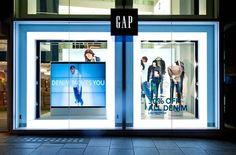 Gap invente la vitrine qui murmure à l'oreille des passants