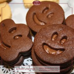 #cakesandcookieslb #cakes #cookies #petitfour #layers #dessert #simple #quick #smiles #happy #joy #tasty #treats #design #delicious #sweet #chocolate
