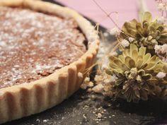 Receita de Tarte de Chocolate e Noz - Clara de Sousa Cheesecake, Pie, Sugar, Desserts, Food, Sweetest Thing, Goodies, Tailgate Desserts, Ideas