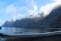 Acantilado y Playa de Los Gigantes III