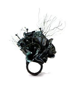 Black Jewelry, I Love Jewelry, Jewelry Art, Contemporary Jewellery, Ariel, Jewels, Epoxy, Rings, Heaven