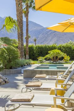 Vancouver designer Mitchell Freedland gets playful with his Palm Springs rancher, incorporating bold colours, quirky patterns and plenty of California cool.