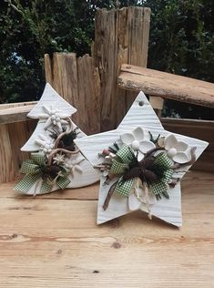 Christmas Wood Crafts, Holiday Crafts, Christmas Decorations, Craft Night, Clay Pots, Xmas Tree, Alice, Diy Crafts, Wreaths