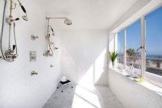 """With a massive bathroom overlooking the pacific, no wonder @hotelshangrila names this """"The Rock & Roll Suite."""" #hotels #luxury #SantaMonica"""