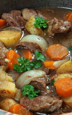 Slow cooker easy lamb stew recipe. Cubed lamb with vegetables cooked in a slow cooker. An excellent choice for cold winter nights. #slowcooker #crockpot #dinner #stew #lamb