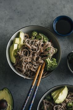 Black Sesame Soba Noodles | Noodles marinated in tahini and topped with broccoli and avocado--creamy with a hint of sweetness to it