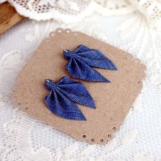 Ripple earrings made from recycled fabric and silver, 27€