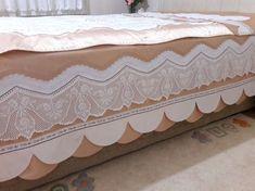 Şerife nin pike takımı Linen Bedding, Bedding Sets, Stitching Dresses, Viking Tattoo Design, Sunflower Tattoo Design, Homemade Beauty Products, Filet Crochet, Bed Covers, Bed Sheets