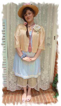 Mori Girl Vintage Jacket Peach Satin Top par BerthaLouiseDesigns