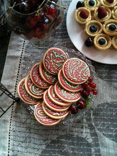 Decorated paisley boho wedding cookies #aidinabakeacake