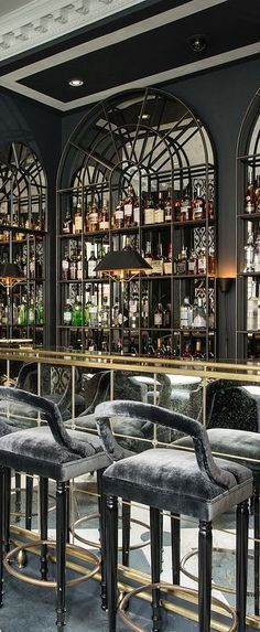 You might be looking for a selection of luxury interior decor ideas for your next interior interior design project. You wil find your perfect luxury restaurant lighting design at  luxxu.net