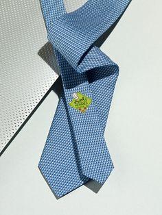 Heavy twill de soie, 8cm. Hermès Fall-Winter 2013.