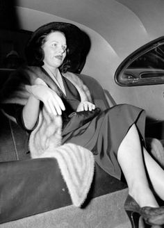 Virginia Hill in a cab after ordeal with senators and the press in connection with her appearance at the crime investigating committee hearing in the U. The one-time girl friend of. Get premium, high resolution news photos at Getty Images Bugsy Siegel, Virginia Hill, Gangster Girl, Al Capone, Gangsters, Rare Photos, Mafia, Mobsters, Girlfriends